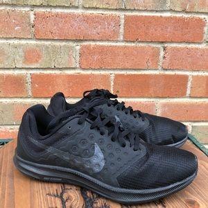 NWOT Nike Downshifter 7 Black Sneakers sz 8